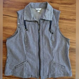 C. J. Banks zipper front vest blue & white